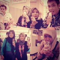 Photo taken at A&W Plaza mulia by Husnul K. on 3/24/2014