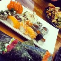 Foto tirada no(a) Flying Sushi por Thamiris F. em 10/17/2012