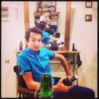 6/3/2014 tarihinde Savin S.ziyaretçi tarafından Goodson barbershop'de çekilen fotoğraf