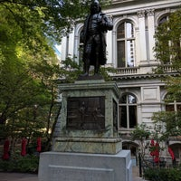 Photo taken at Benjamin Franklin Statue by Dennis on 9/11/2016