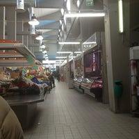 Foto scattata a Mercato Coperto da Oksy M. il 2/6/2013