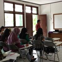 Photo taken at Universitas 17 Agustus 1945 (UNTAG) Samarinda by Tom S. on 12/9/2012