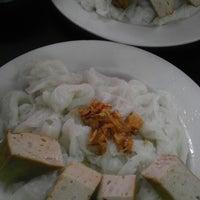 Photo taken at Bánh Cuốn Gia An by Minh L. on 1/12/2014