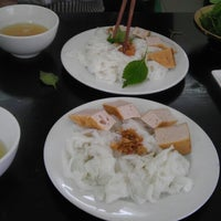 Photo taken at Bánh Cuốn Gia An by Minh L. on 9/28/2013