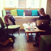 Das Foto wurde bei Cafe Rozrusznik von Mariarosa L. am 10/21/2012 aufgenommen