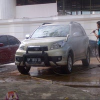 Photo taken at Jaya Car Wash by Nurisa R. on 11/24/2013