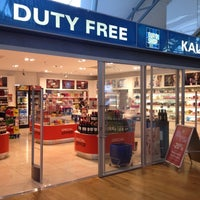 Photo taken at Duty Free shop by Stephan L. on 10/11/2012