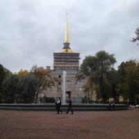 Снимок сделан в Александровский сад пользователем Stephan L. 10/4/2012