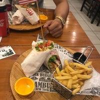 9/26/2018 tarihinde Hüseyin Ç.ziyaretçi tarafından Meatballs Burger House'de çekilen fotoğraf