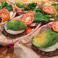 Photo taken at Kua'āina Sandwich by Jee Eun L. on 7/7/2017