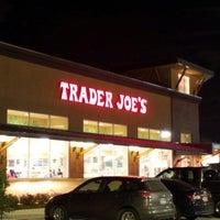 Снимок сделан в Trader Joe's пользователем Jet P. 2/3/2013