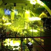 5/30/2013 tarihinde Kaan T.ziyaretçi tarafından Club Inferno'de çekilen fotoğraf