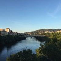 Foto tirada no(a) Ponte Romana de Ourense por Cristina V. em 7/27/2016