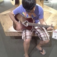 Photo taken at Guitar Center by Lisset G. on 6/25/2014