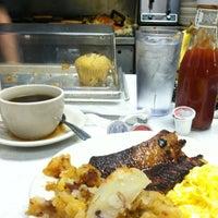 Das Foto wurde bei Bob's Diner von Oliver C. am 5/19/2013 aufgenommen