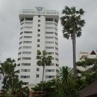 Photo taken at Jomtien Palm Beach Hotel&Resort by Kay `the Prince` Jeab K. on 10/23/2012
