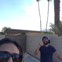 Снимок сделан в Twin Palms, Frank Sinatra House пользователем Nikita S. 5/22/2015