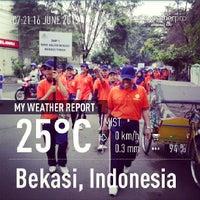 Photo taken at Pasar Proyek Bekasi by Mardhatullah D. on 6/16/2013