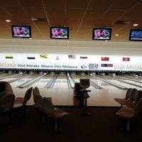 Das Foto wurde bei Melaka International Bowling Centre (MIBC) von Yus E. am 11/18/2012 aufgenommen