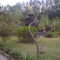 Photo taken at Pura Tirta Empul (Tirta Empul Temple) by Yusuf H. on 9/24/2012
