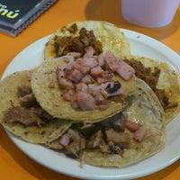 Foto tomada en Taqueria Arandas por Edith M. el 4/27/2013