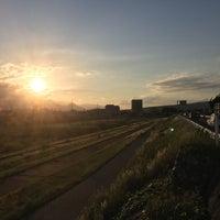 Photo taken at 新荒川橋 by Kenta H. on 5/27/2017