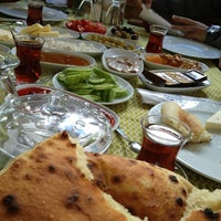 2/9/2013 tarihinde Damla Günes B.ziyaretçi tarafından Halil'in Yeri Burak Restaurant'de çekilen fotoğraf