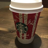 Photo taken at Starbucks by Evelin F. on 11/23/2016