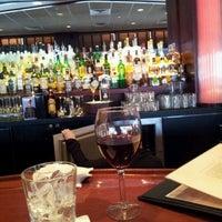 1/28/2012 tarihinde Scott M.ziyaretçi tarafından Sullivan's Steakhouse'de çekilen fotoğraf