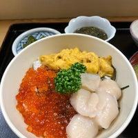 Photo taken at 市場食堂 by Keisuke T. on 5/1/2018