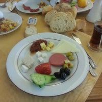 Das Foto wurde bei Soyic Hotel von Okan Ç. am 11/16/2012 aufgenommen
