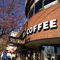 Photo taken at Starbucks by Patchara K. on 4/15/2013