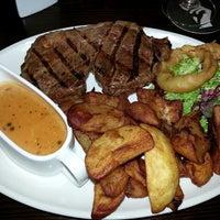 Снимок сделан в The Soulville Steakhouse пользователем Thomas t. 5/27/2013