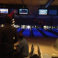Photo taken at Go Planet Bowling by ikbenkees on 11/16/2013