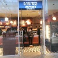 Photo prise au Caffè Nero Express par John C. le1/31/2013