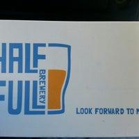 11/9/2012にJermaine T.がHalf Full Breweryで撮った写真