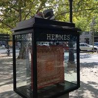 Das Foto wurde bei Hermès von S 🤗 am 8/31/2013 aufgenommen