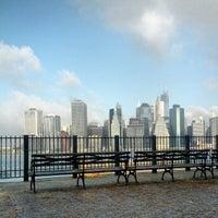 Das Foto wurde bei Brooklyn Heights Promenade von Joe D. am 10/20/2012 aufgenommen