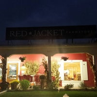Photo taken at Red Jacket Orchards by Matthew G. on 10/14/2013