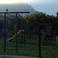 Photo taken at Parque 1a. Avenida by Trementina C. on 12/21/2014