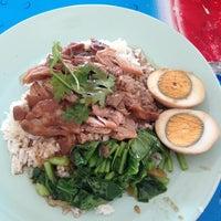 Photo taken at ข้าวขาหมู @ หมู่บ้านบัวทอง by Pattie C. on 5/30/2013