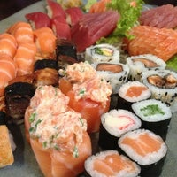 Foto tirada no(a) Ryuu Sushi Bar por Renan L. em 6/7/2013