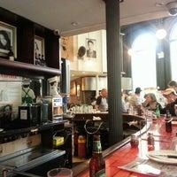 Photo taken at Grimaldi's Pizzeria by Estera P. on 5/25/2013