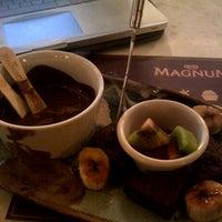 Foto tirada no(a) The New Magnum Café por Ilham R. em 4/8/2013
