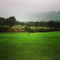 Photo taken at Oahu Country Club by Eiríkr J. W. on 12/27/2015