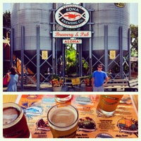 Photo taken at Kona Brewing Co. & Brewpub by Sterling P. on 10/2/2012