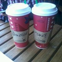 Foto tomada en Starbucks por Mario H. el 1/4/2013