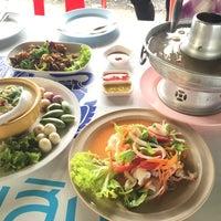 Photo taken at ครัวมะนาว by PiyatdPalm on 7/31/2015