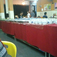 Photo taken at 833 BBQ Steamboat Buffet by Asriq R. on 5/31/2013