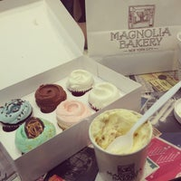 Photo taken at Magnolia Bakery by Jodie M. on 1/14/2013